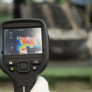 use thermal imaging camera to check mold and die temperature in factory